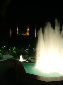 噴水とブルーモスク