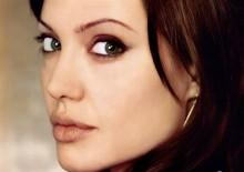 angelina-jolie-cute-face-wallpaper-805092