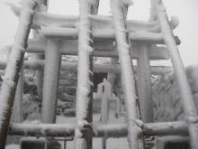 鍛治小屋跡の前の神社