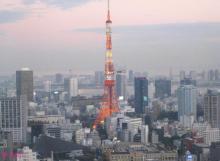 ∞最前線 通信-東京タワーと街の光景