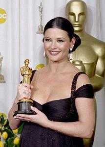 2002-Oscar-Catherine-Zeta-Jones