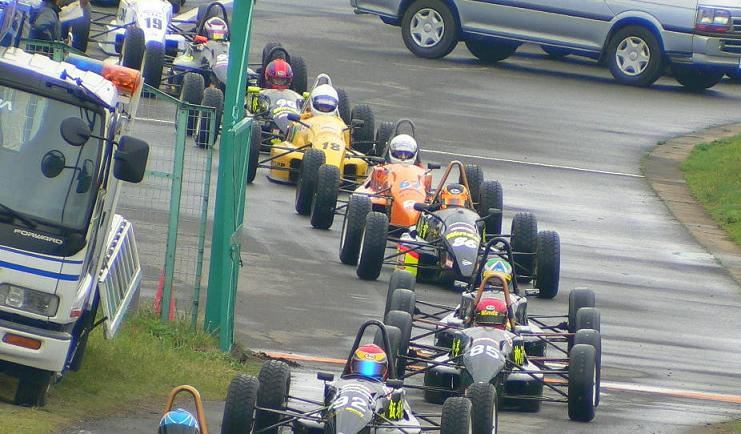 レース風景