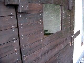 物置部屋 窓