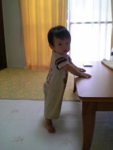 1歳で初めてつかまり立ち
