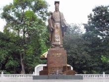 リタイトー銅像