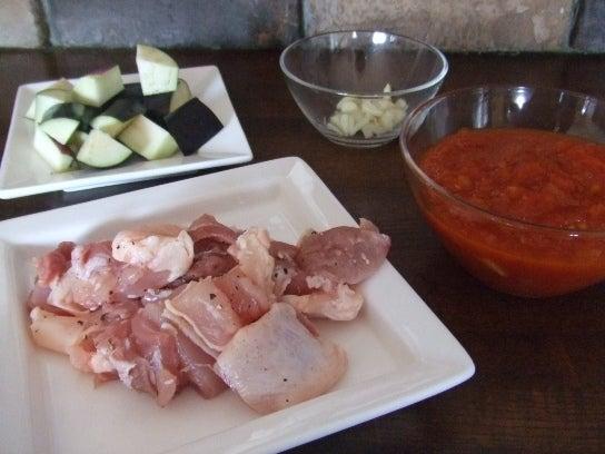 チキンとナスのトマトソースパスタ食材