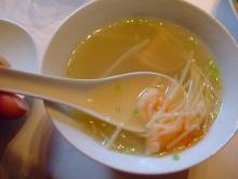 スープ 鳥、筍、海老等