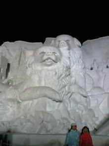 STV広場の雪像 タロとジロ