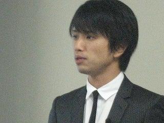 28歳で年収1億円&著書32万部の川島和正ブログ-090221semi1