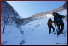 ロフトで綴る山と山スキー-若栗を滑り終え