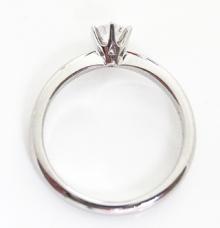 婚約指輪ティファニータイプ