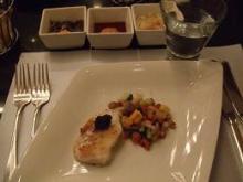キャビア添え白身魚