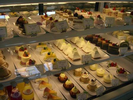 Campbell, CA ~ベイエリアでの暮らし~-ケーキがいっぱい!