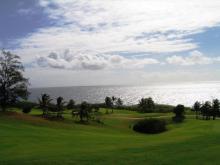 おとなのための絵本-空と海と芝生