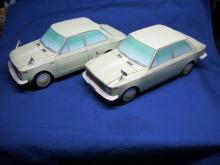 初代カローラ2台