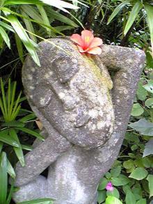 セクシーな石像