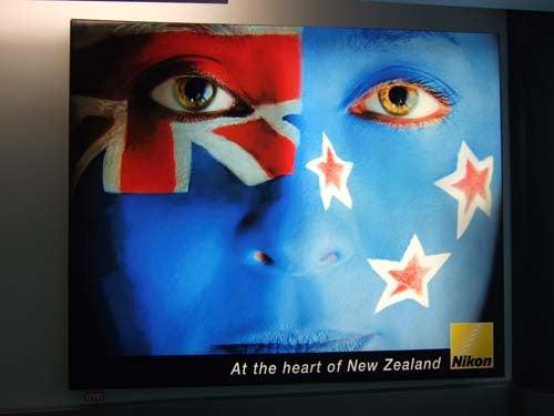 お宝広告館 【まれにみるみれにあむ】-ニコン広告 ニュージーランドにて