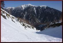 ロフトで綴る山と山スキー-霞沢岳を見て