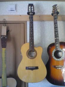 ギターが好き。。。。。。下手だし、中年オヤジだけど。。。。。。-370099