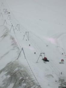 冬スキーにも見える
