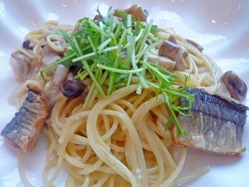 秋刀魚のフリットとポルチーニ茸のクリームスパゲティ